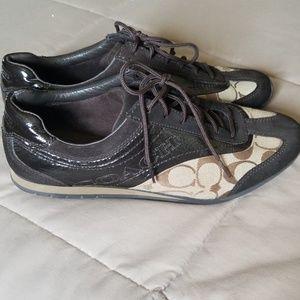 Coach tennis shoe
